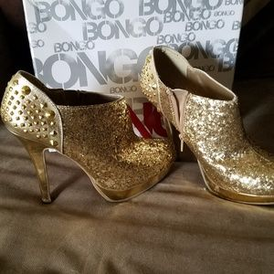 Outrageous gold sequins stiletto booties